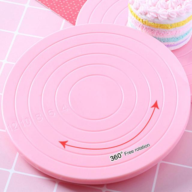 Round Decorating Stand Cake