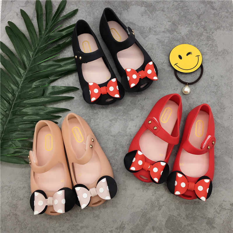 f52a95a9973d39 ... Mini Melissa Jelly Girls Sandals Cute Bow Mickey Minnie Girls Jelly  Sandals 2018 New Melissa Baby ...