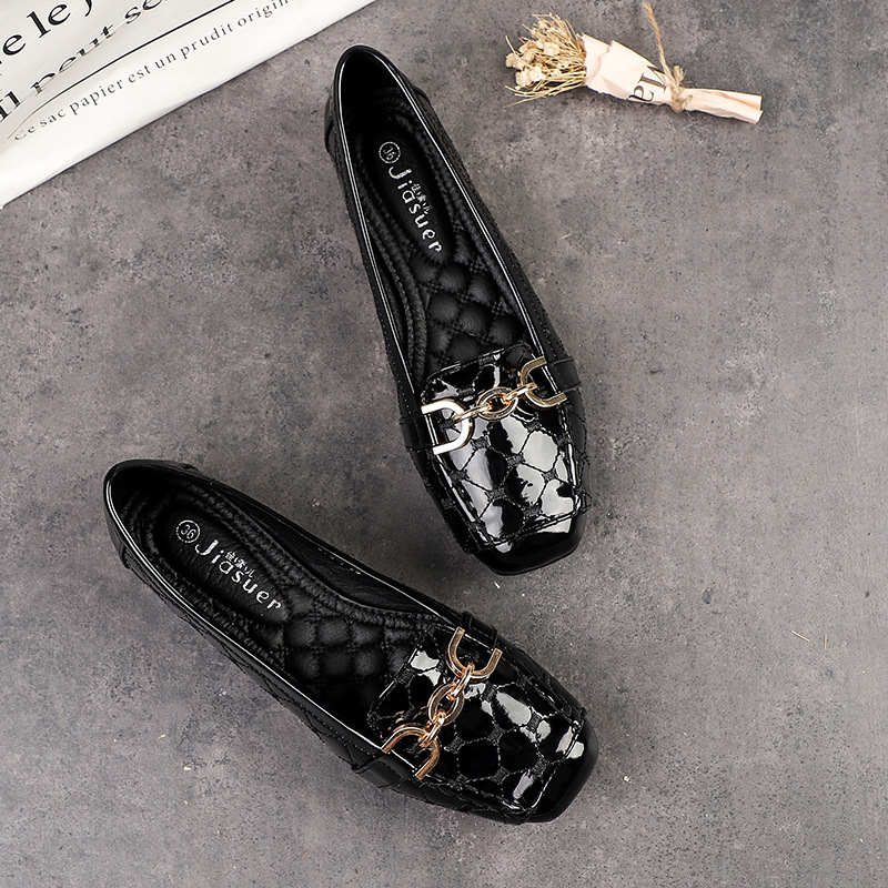 Spring New Fashion Women Flat Shoes Patent Leather Casual Metal Buckle Square Toe Boat Shoes For Office Ladies Shoe