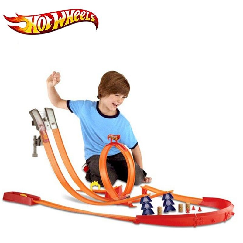 Modelo de ruedas calientes Y0276 vehículos de pista de coche juguetes para niños Miniaturas de Metal de plástico coches de pista de coche clásico de juguete para niños-in Troquelado y vehículos de juguete from Juguetes y pasatiempos    1