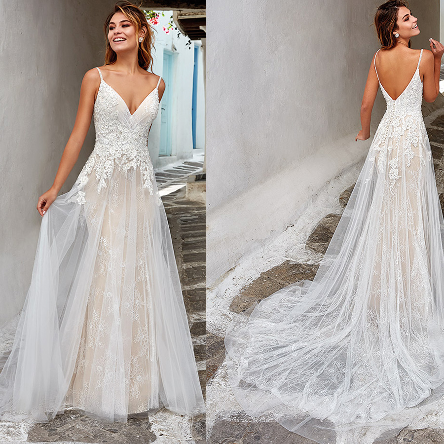 Unique Lace V-neck Applique A-line Backless Wedding Dress With Button Sweep Train Spaghetti Straps Bridal Dress Vestido De Novia