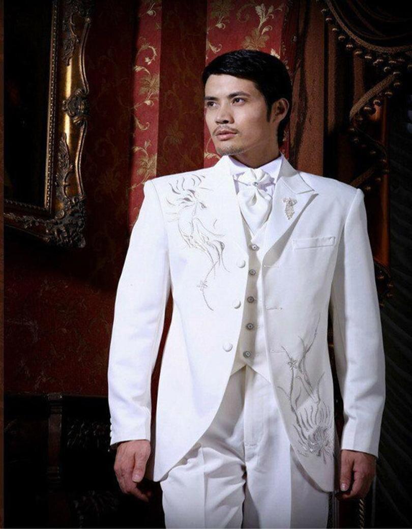 Moda tres botones blanco Bordado novio Esmoquin padrinos de boda Trajes  vestido formal (chaqueta + Pantalones + chaleco + TIE) no  041 d9934ad54f8
