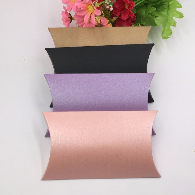 50pcs 4 Colors WeddingParty Gift BoxesPaper Pillow Packing Candy