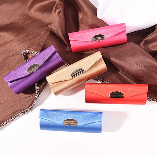 Random Color Fashion Retro Plain fabric Lipstick Embroidered Case Holder With Mirror Flower Design Jewelry Packaging Box
