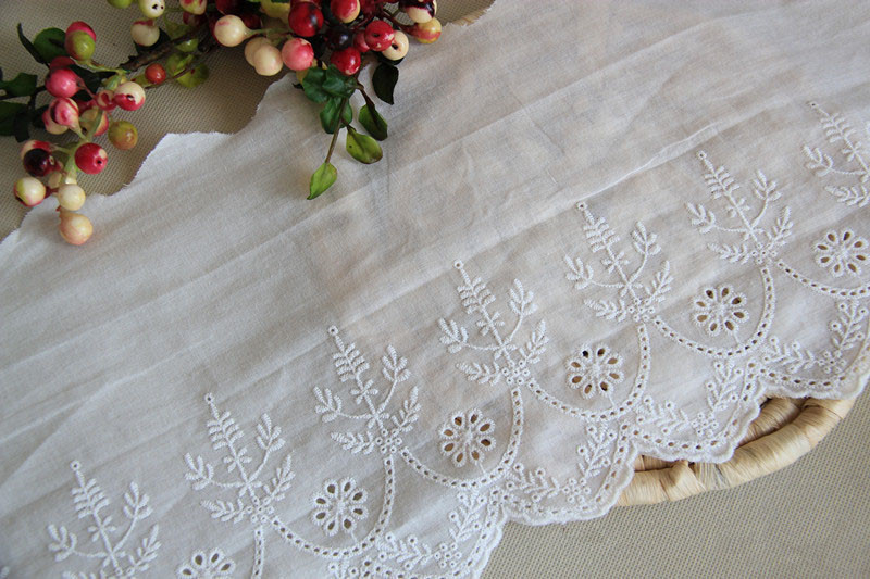 20cm 5yards/lot Top Grade Off White Lace Cotton Embroidered Lace Trimming Floral Embroidery Lace Trims DIY Clothing Accessary