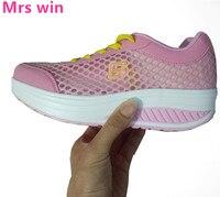 Tênis de corrida Das Mulheres Verão Malha Respirável Calçados Esportivos Emagrecimento Sapatos Balanço Sapatos Plataforma Cunha Senhora Perder Peso Tênis