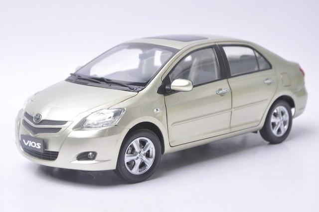 Carro De Juguete Toyota