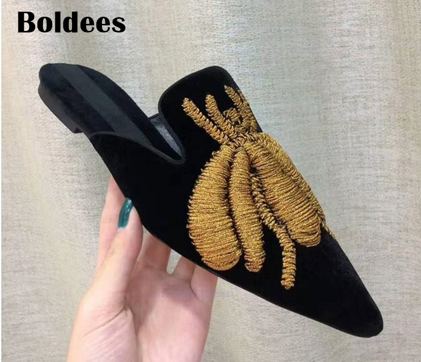 Top Quality Big Spiders Embroidered Slipper Velvet Shoes Woman Pointed Toe Flat Muller Shoes Women Gladiator Sandals