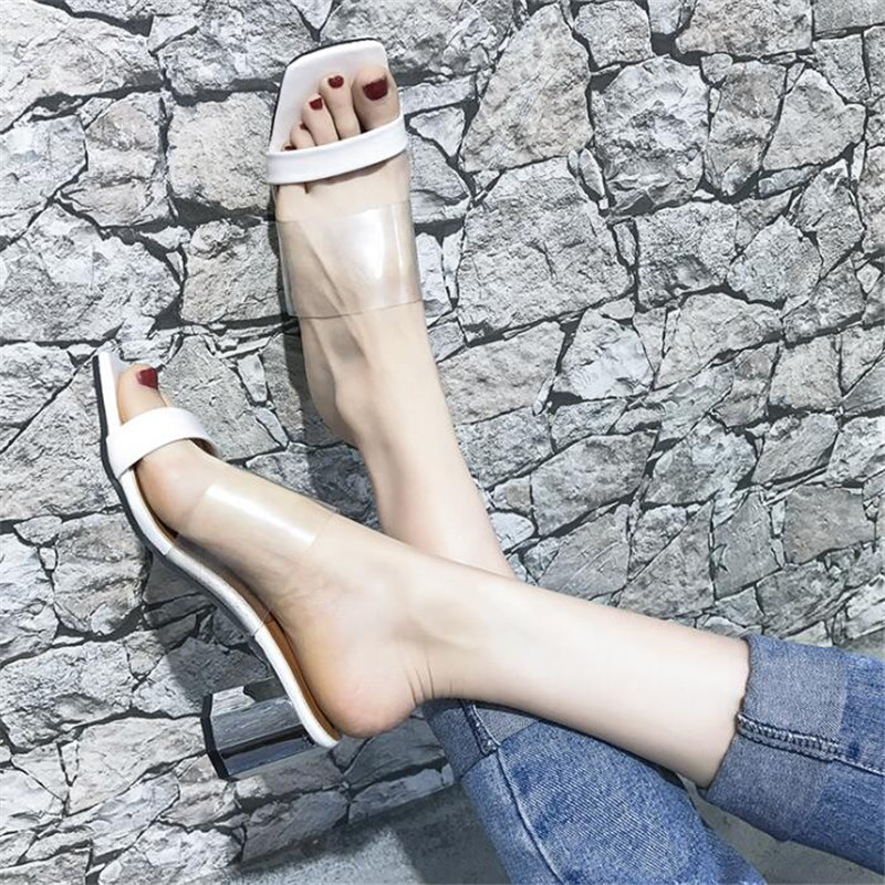 2018 New Women Slippers Summer peep toe Transparent PVC Uppers and Heeled Chunky square Heels Slides woman Shoes