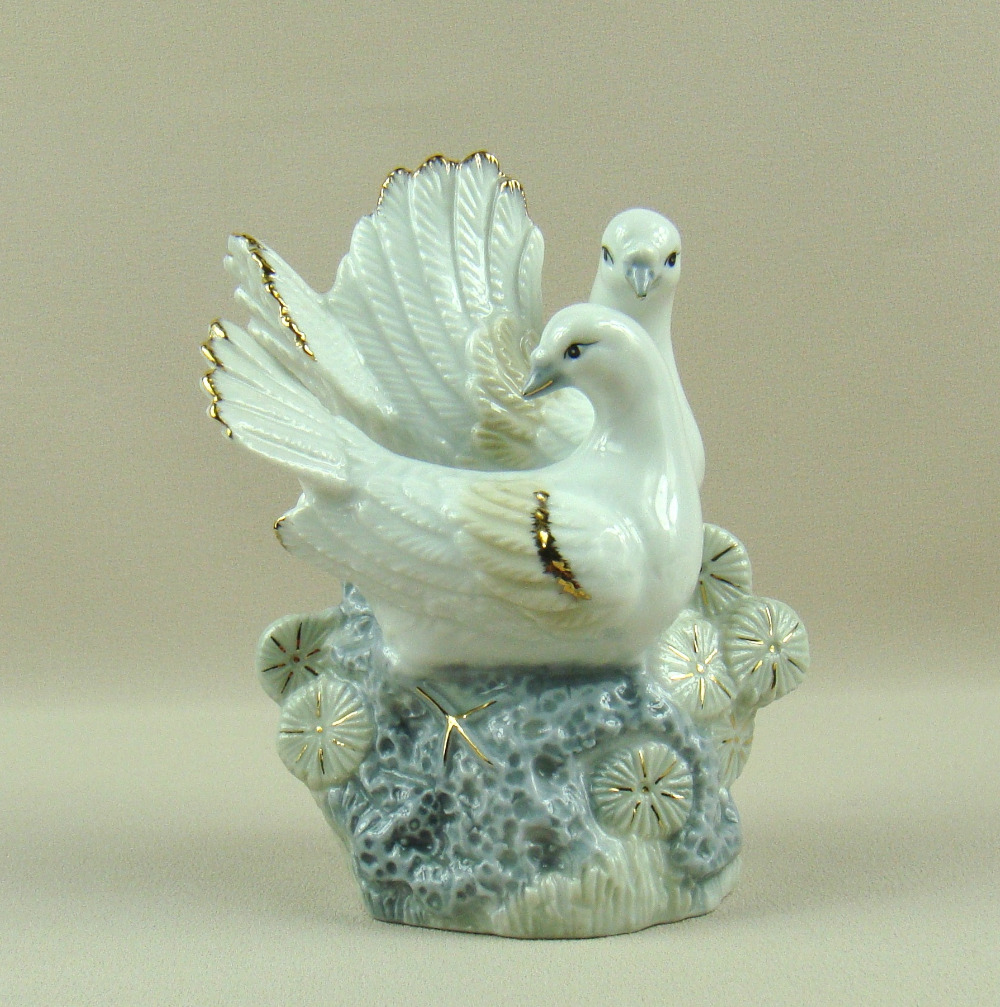 Porcelain Pigeon Lovers Figurine Decorative Ceramic Bird ...