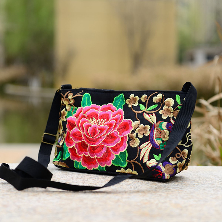 Women Handbag National Ethnic Embroidery Bags New Women's One Shoudler Bag Vintage Double Side Embroidered Messenger Small Bags 4