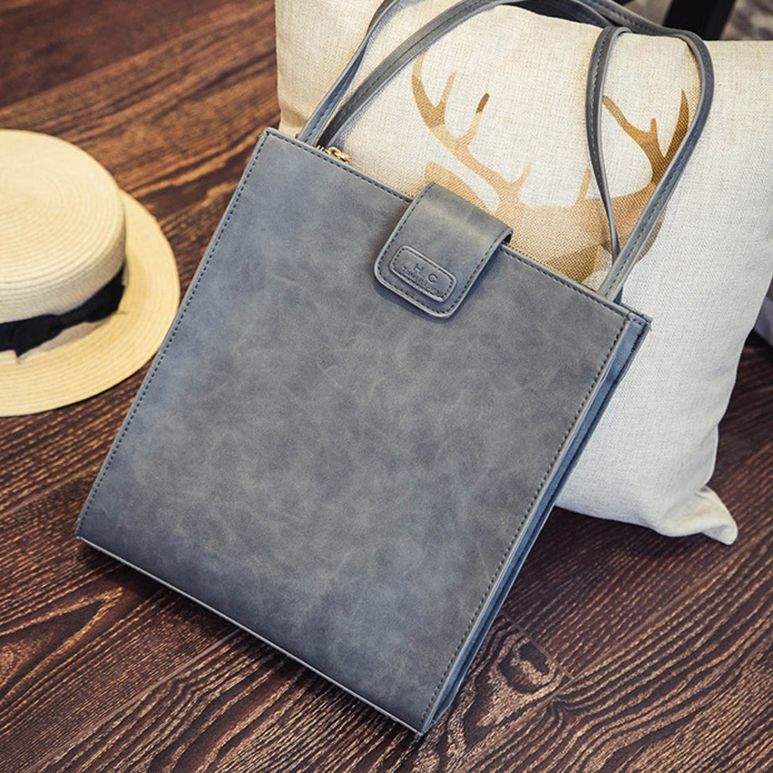 2016 The New Europe ands Retro Simple briefcase fashion Portable shoulder bag Messenger