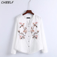 Spring New European Gorgeous Embroidered Pattern Long Sleeve Blouse Casual Floral Embroidery V-neck White Shirt C8126