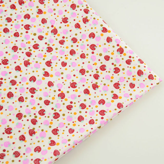 Lovely Red and Pink Strawberry Designs 100% Cotton Fabric Plain Patchwork Tissue Tecido Sewing Beginner's Practice Home Textile