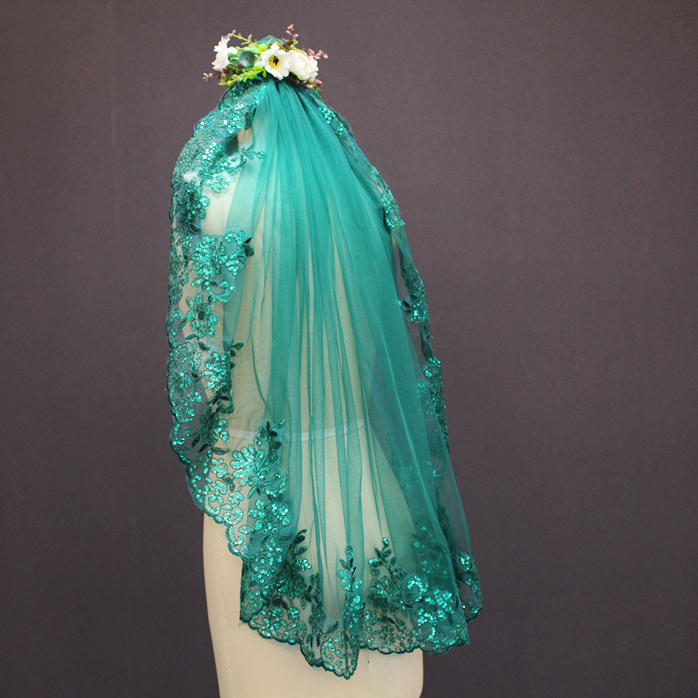 Image 2 - 2019 New 0.9 Meters One Layer Lace Edge Green Tulle Wedding Veil With Comb-in Bridal Veils from Weddings & Events