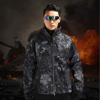 HOT2017 Outdoor Winter Thicken Fleece commanders camouflage Shark Skin softshell jacket men hiking camping hunting cargo clothes