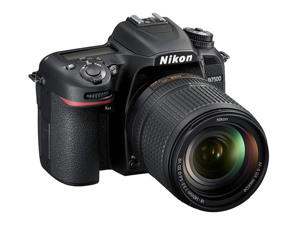 Nikon D7500 Corpo Della Fotocamera DSLR & AF-S DX 18-140mm f/3.5-5.6G ED VR lente