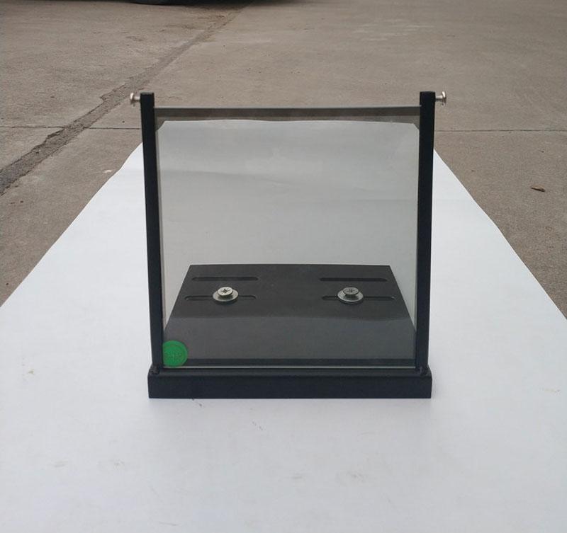 Image 2 - 1 Paris 15*15cm/20*20cm/12*12cm 3D Polarizer filter With Holder  Bracket Holder for Proectors Imax Cinemas Projector Filters3D Glasses/  Virtual Reality Glasses