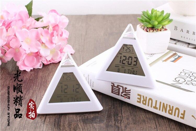 Budzik Cyfrowa piramida LED Kolorowy zegar biurkowy Funkcja drzemki - Wystrój domu - Zdjęcie 5