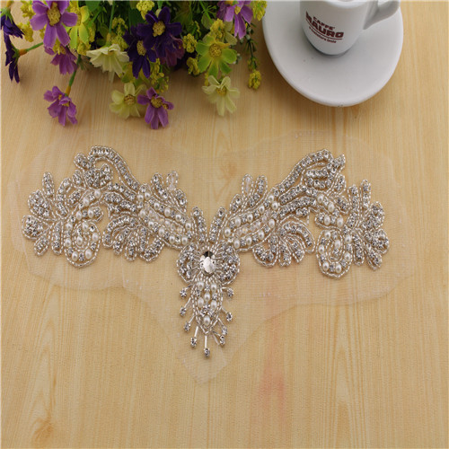 Handmade Beaded Rhinestone neck applique crystal patch for wedding