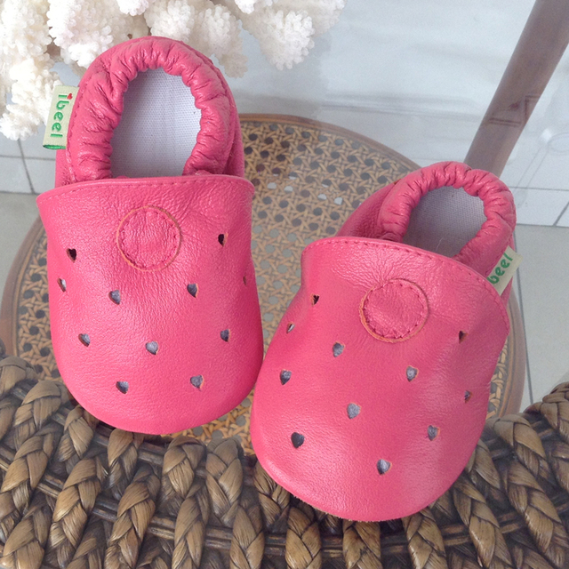 2016 Summer Autumn Soft Soled Genuine Leather Baby Shoes Girl Hollow Heart Baby Slippers Toddler Moccasins Pantufas Infantil