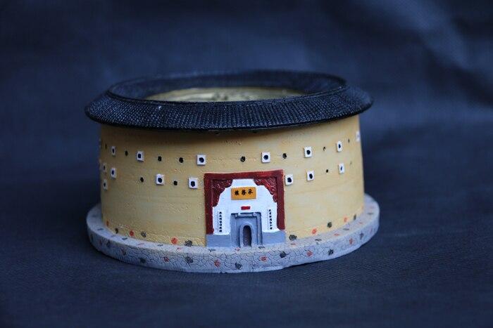 Oyuncaklar ve Hobi Ürünleri'ten Aksiyon ve Oyuncak Figürleri'de Dünya Mirası Büyük Yapı Çin Fujian Yongding Hakka Tulou Toprak Yapı Kral Tulou ChengQi Lou şekilli kalıp title=