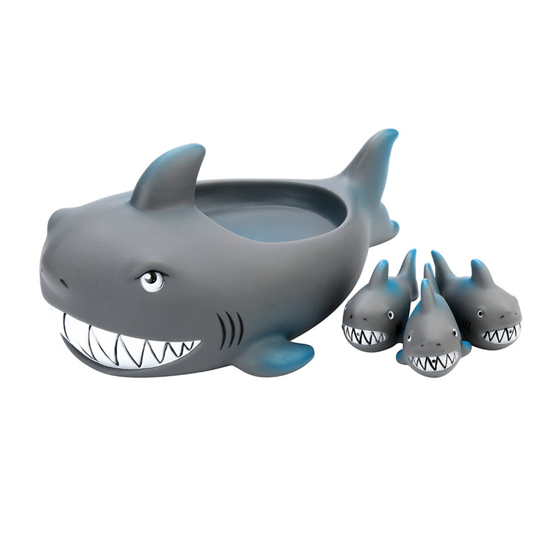 2018 New Shrilling Rubber Cute Shark Family Bathtub Pals Floating Bath Tub Toy For Kids Dropshipping Wholesaling retailing P5