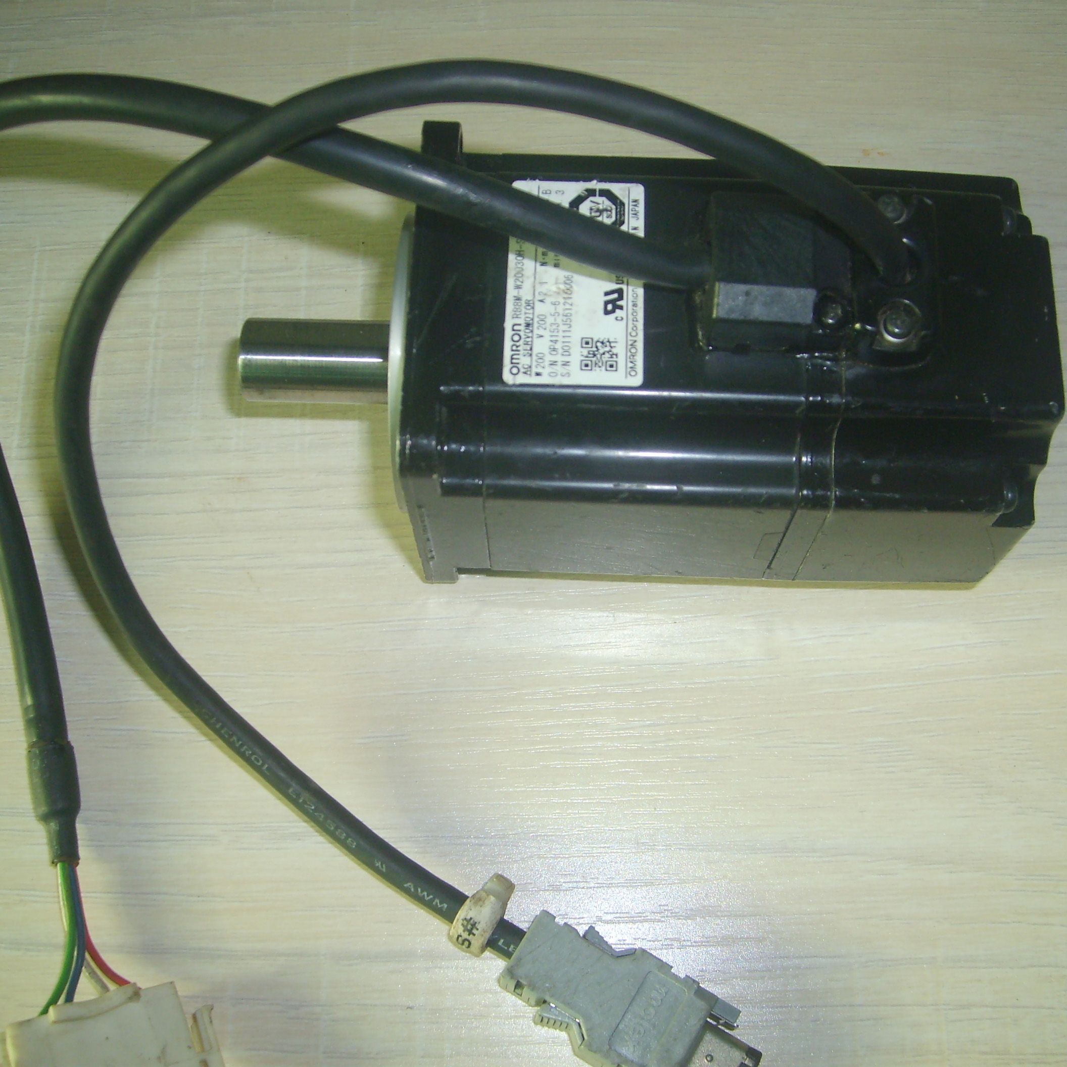R7M-A75030-S1 AC SERVO MOTOR USED & TESTED WORKINGR7M-A75030-S1 AC SERVO MOTOR USED & TESTED WORKING
