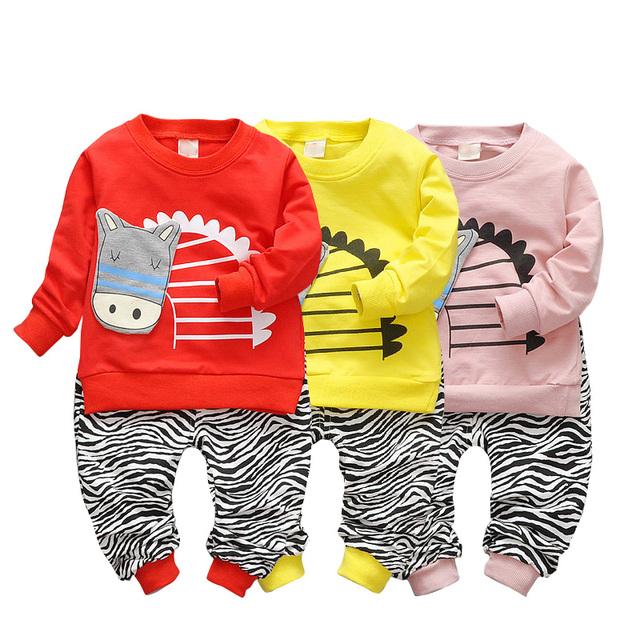 Boa qualidade 2017 Primavera Infantil Roupas de Algodão Define Zebra T Shirt + Calças 2 Pcs Meninos Das Meninas Do Bebê Se Adapte Às Crianças crianças Ternos
