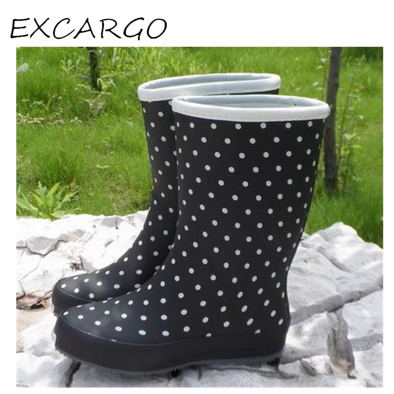 2017 Fashion Women Rain Boots Waterproof In Tube Rubber Boots Female Cute Little Dots Rainboots Water Shoes Overshoes free shipping fashion madam featherweight rubber boots rainboots gumboots waterproof fishing rain boots motorcycle boots