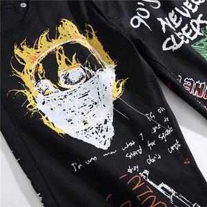 Image 4 - Sokotooแฟชั่นผู้ชายตัวอักษรเปลวไฟสีดำพิมพ์กางเกงยีนส์Slimตรงสีทาสียืดกางเกง