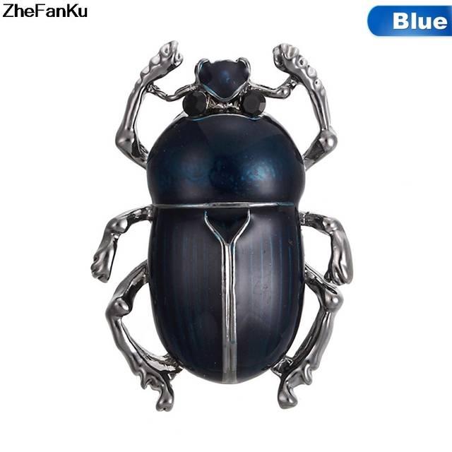 Chalcosoma beetle vs Alexander Mcqueen — Lisa Lloyd | 640x640