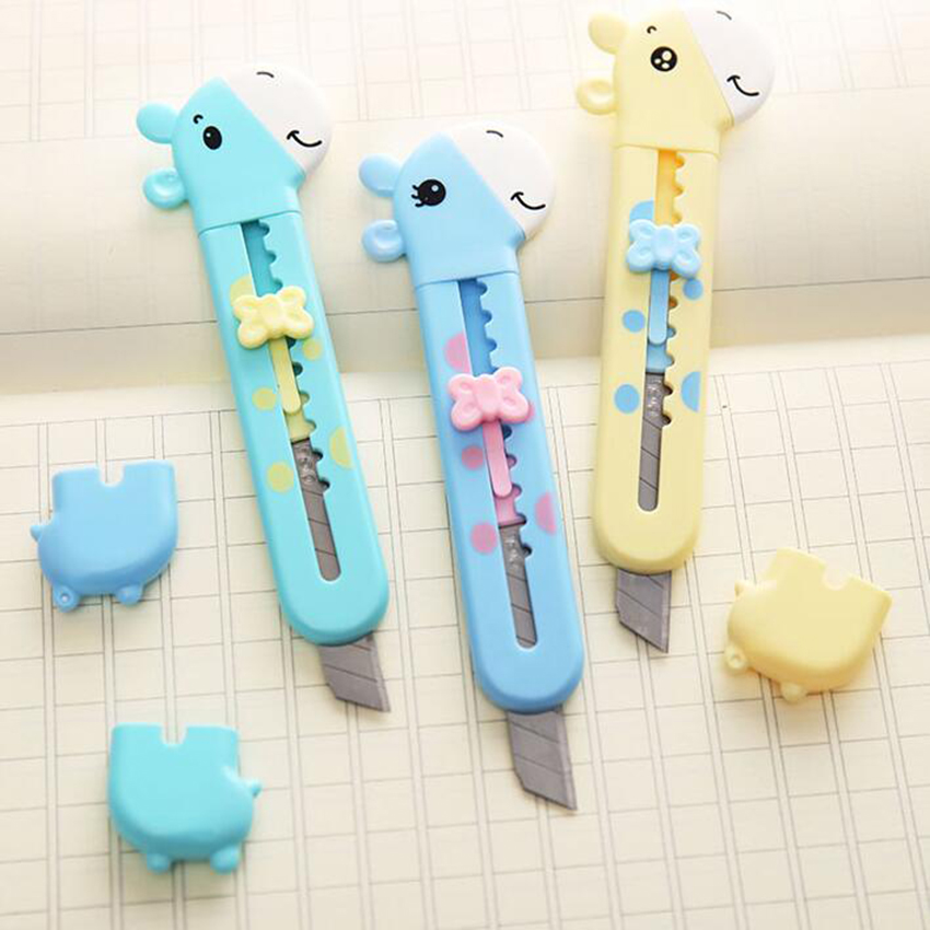 1PC Cute Giraffe Utility Knife Paper Cutter Cutting Paper Razor Blade Office Stationery Escolar School Supplies Random