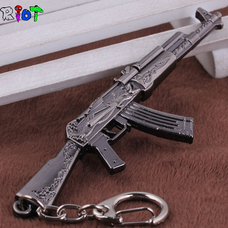 AK47 Model Keychain Cross Fire CF Metal Pendant Key Chain Automatic Rifle ak 47 Gun Figure Jewelry Men Toy Accessories Keyring