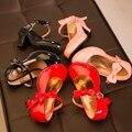 Moda Couro sapatos de Salto Alto Crianças Princesa Sapatos T2016 Crianças Primavera Sapatos Meninas Sapatos de Couro Rosa Preto Vermelho