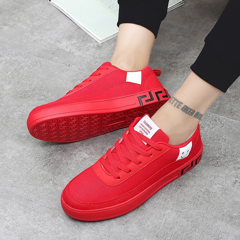 Women Vulcanized Lace-up Sneakers  2