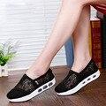 Primavera Verão QUENTE Pipoca Atacadores Sapatos Casuais Deslizamento Em Sapatas Das Mulheres Mulher Sapatos Casuais Rede Respirável Macio Sapatas Lisas Das Mulheres