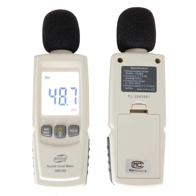 Top Quality GM1352 30-130dB Digital sound level meter noise tester  in decibels LCD screen noisemeter