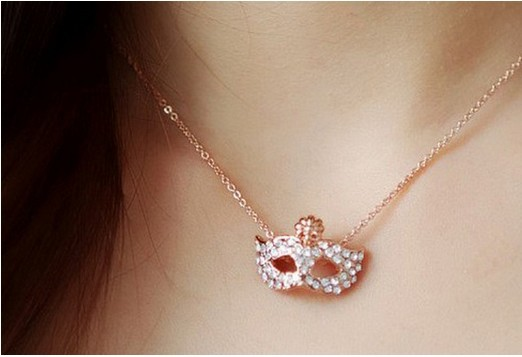 2015 New !! Fashion Fine Jewelry Gold plated Full Rhinestone Bohemian Style Mask Pierced Necklaces & Pendants For Women N-1