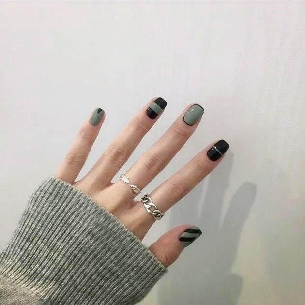 fashion green color with black pure color fake nails