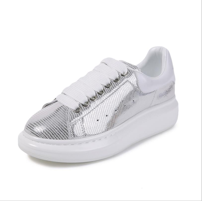 New summer womens shoes Korean fashion wild thick platform  shoes low to help  white shoesNew summer womens shoes Korean fashion wild thick platform  shoes low to help  white shoes