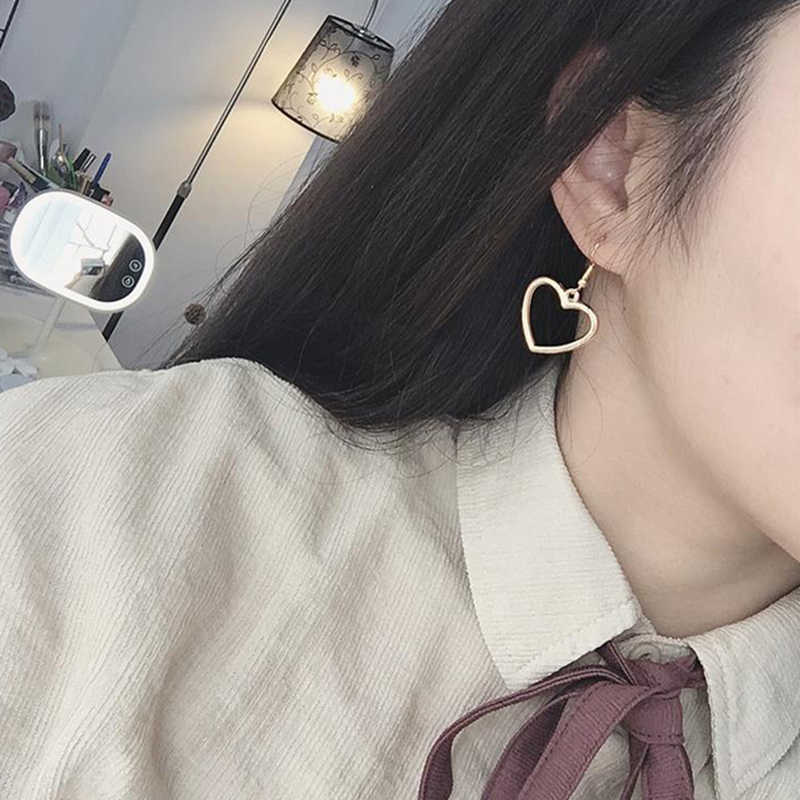 Korean Fashion Hollow Love Heart Lovely Earrings For Women Girl Minimalist Trendy Earrings Best Lovely Jewelry Gift Wholesale