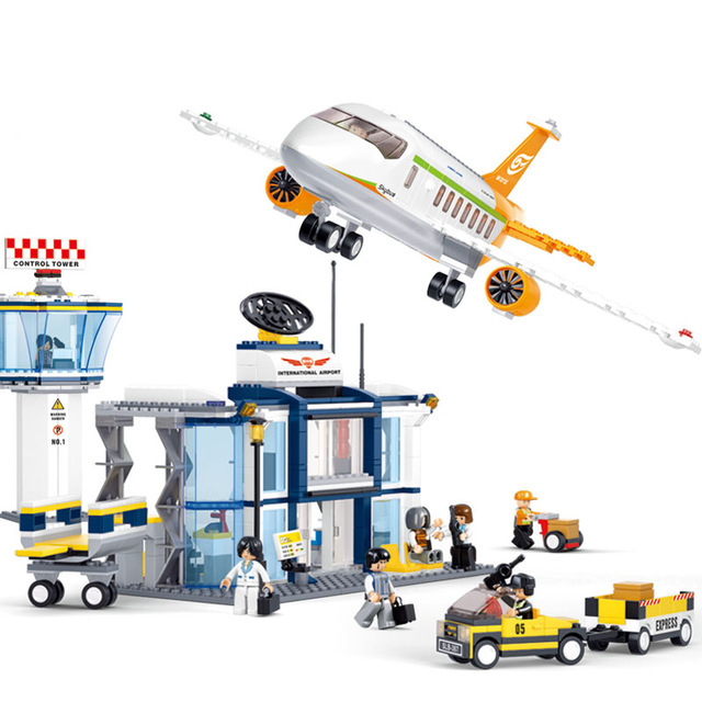 0367 SLUBAN 678Pcs City Series International Airport Model Building Blocks Enlighten Figure Toys For Children Compatible Legoe