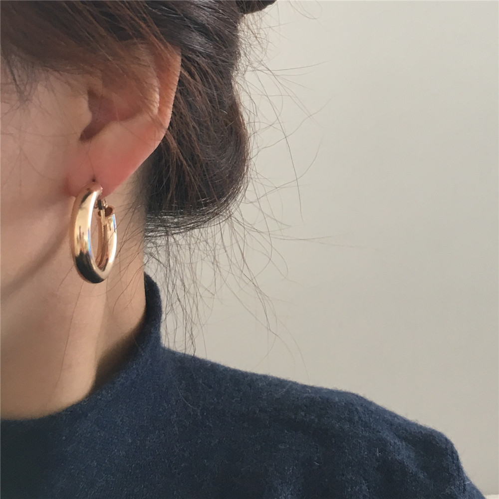CASUAL WOMEN EARRINGS GOLD COLOR PLATING 4MM THICKNESS SMALL HOOP EARRINGS FOR WOMEN GIRL