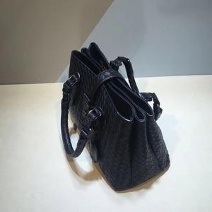 Image 4 - 여성 가방 럭셔리 핸드백 여성 디자이너 nu zhen 가죽 가방 정품 가죽 숄더 백 sac a main femmebolsas feminina
