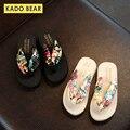 Модные сандалии на плоской подошве с цветочным рисунком для маленьких девочек; Детская садовая Уличная обувь; Детские пляжные вьетнамки; Ле...