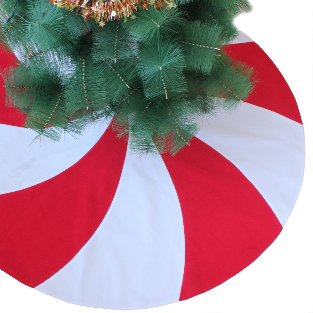 Large round christmas ornaments - Extra Large 50 Patchwork Red And White Lollipop Design Christmas Tree Skirt