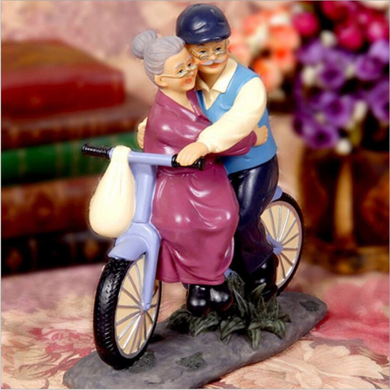 Classical Anniversary Gift Bicycle Grandpa Grandma Figurines Dolls Decoration Home Decor Resin Crafts wedding Birthday Gift
