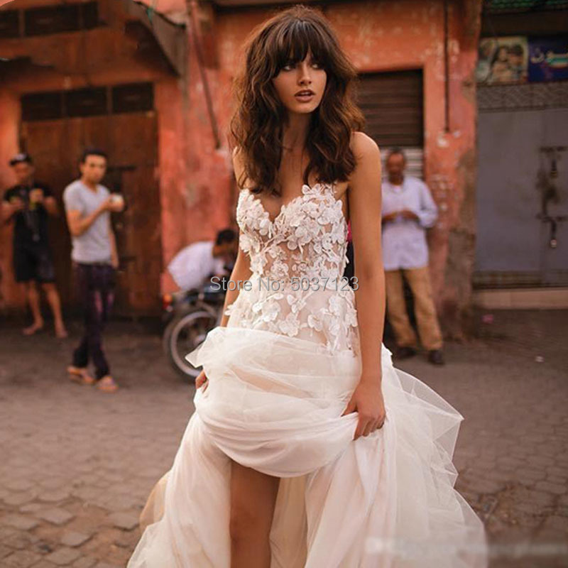 2020 High Low Boho Wedding Dress V Neck Spaghetti Straps Lace Appliques Handmade Flowers Tulle Backless Boho Bridal Wedding Gown