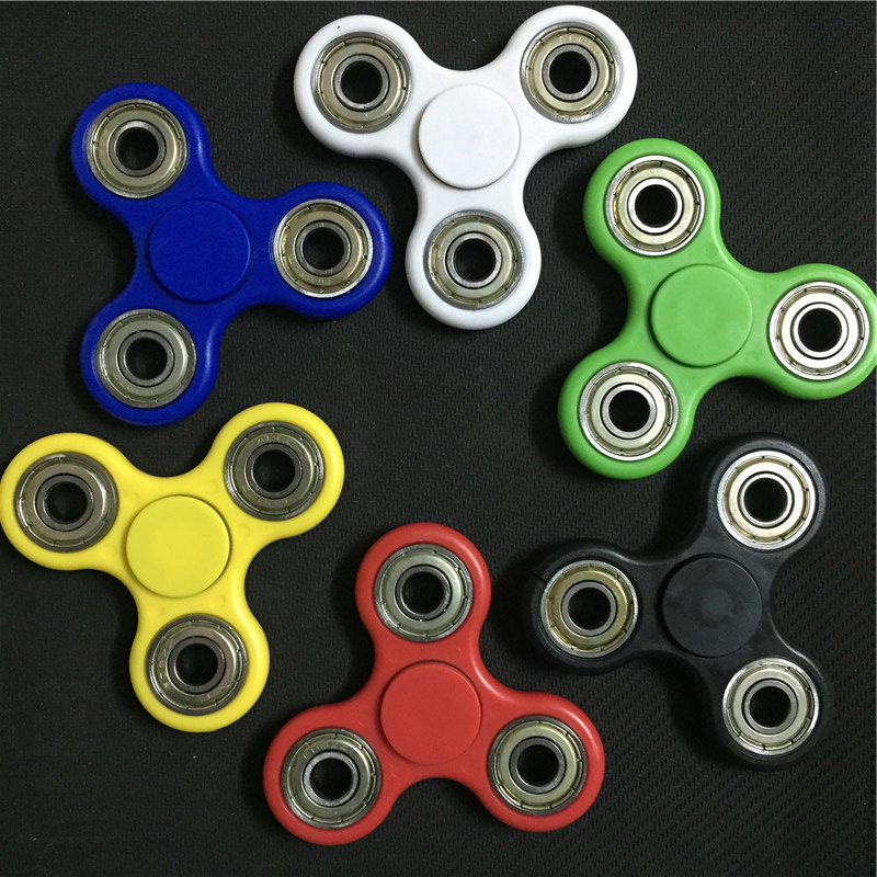 14 Color Tri Angular Tri Spinner Fidget Toy Plastic EDC Hand Spinner For Autism And ADHD